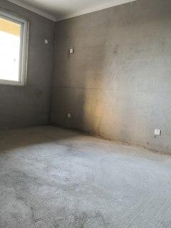 (东城区)金河1号4室2厅2卫142m²毛坯房