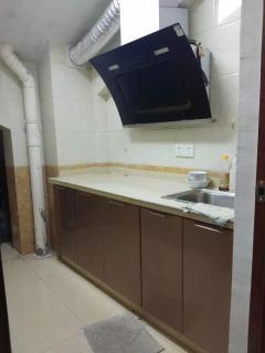 3室2厅1卫100m²精装修