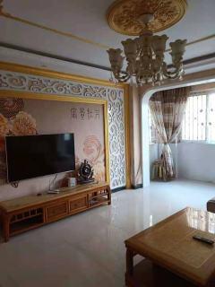 4室2厅2卫157m²精装修