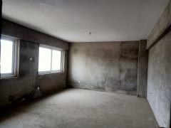 (东城区)中央学府3室2厅2卫70万130m²毛坯房出售