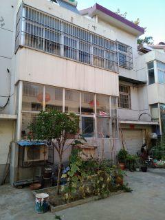 郓城县人民银行家属院4室2厅2卫120万241m²出售