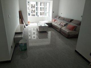 (南城区)御华学苑3室2厅2卫1350元/月136m²出租